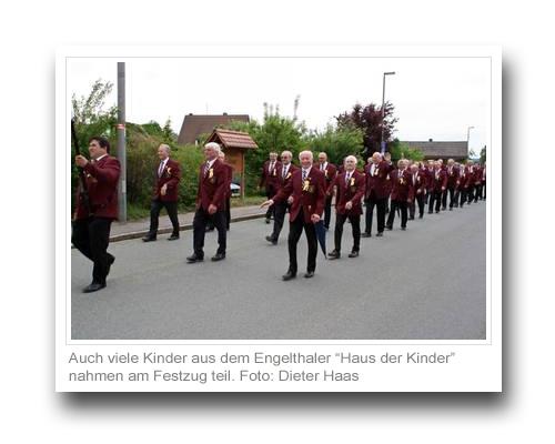 """Auch viele Kinder aus dem Engelthaler """"Haus der Kinder"""" nahmen am Festzug teil."""